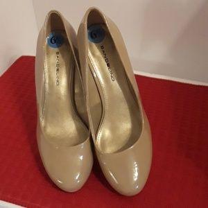 Bandolino taupe platform heels